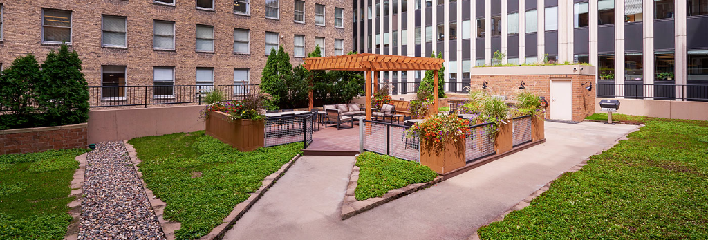 outdoor plaza at the metro apartments